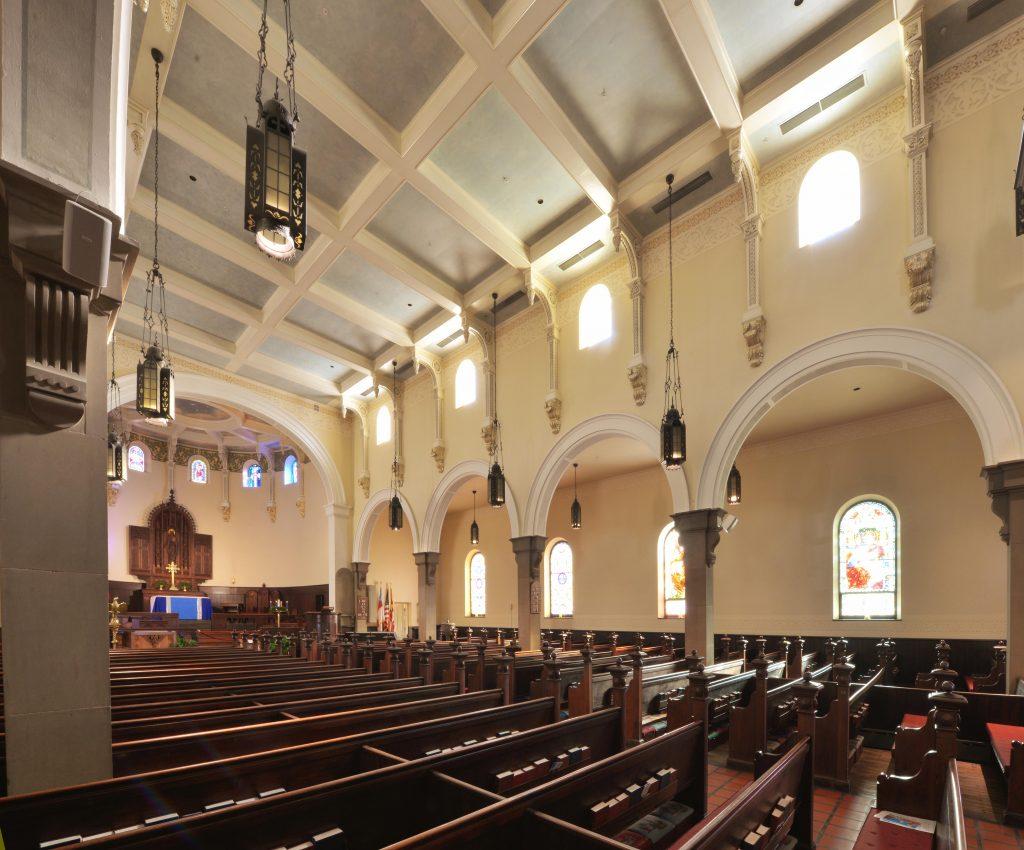 09-sanctuary-from-side-aisle-lr