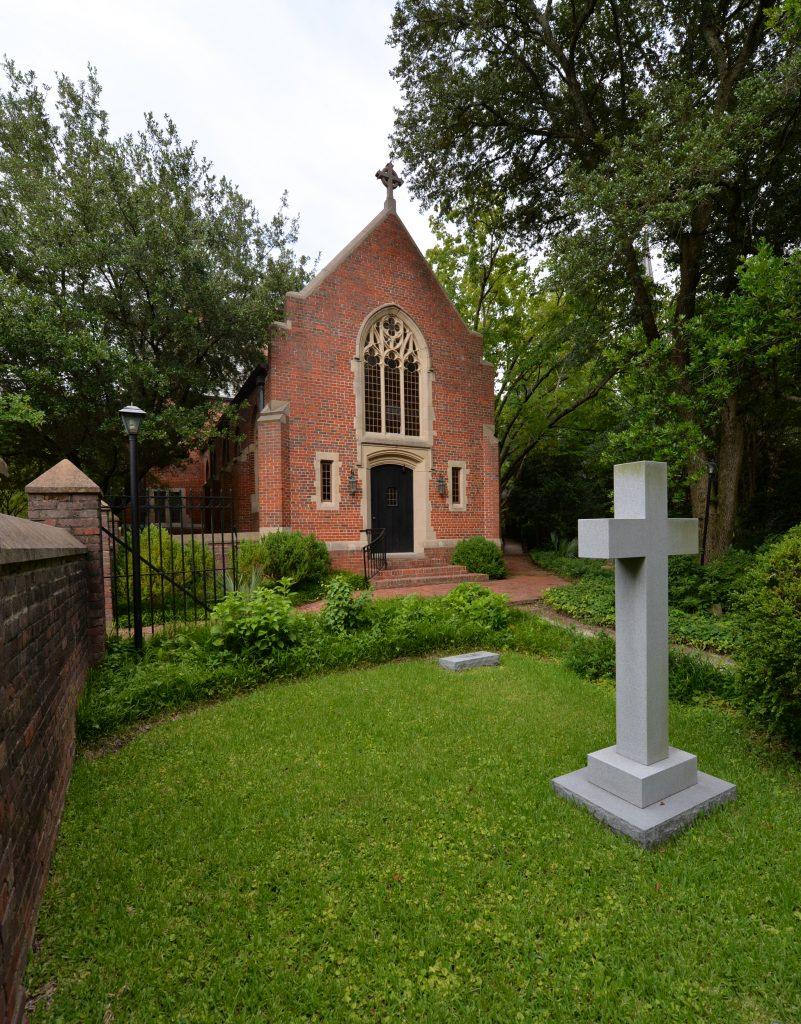 07calvary-chapel-ext